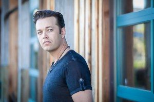 "Lucas Hoge releases ""This Old Flame"" available now"