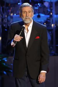 Country Music Hall of Famer Ray Stevens announces Tornado Relief Concert