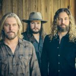 "Country power trio Texas Hill releases new track ""Four Roses"""
