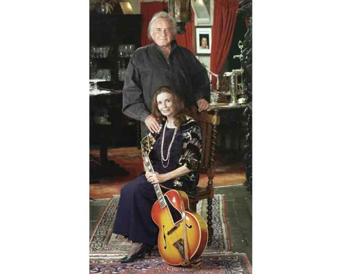 johnny cash with her wife june carter cash