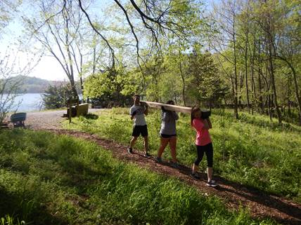 Photo TN Park Services: TN Promise scholars volunteering at Radnor Lake State Park in April 2016.