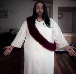 Sasha Paige dressed up like Jesus | Student Dresses up like Jesus | Photo credit Sasha Paige
