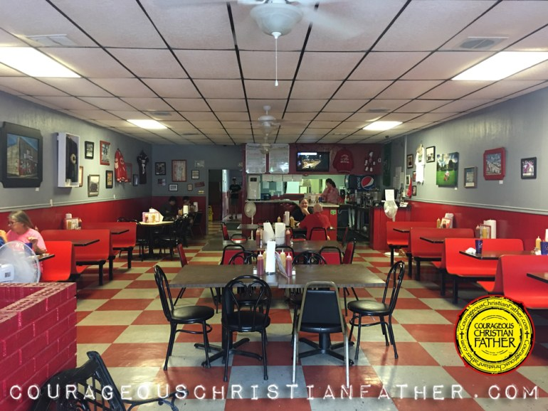 The Dixie Cafe in Downtown Corbin, KY (Inside Building) #DixieCafe #Corbin