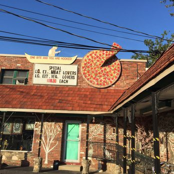 Harby's Pizza & Deli Knoxville (Outside)