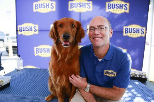 """""""Duke"""" Bush's Baked Beans Dog Dies - I guess you can say Duke died and didn't share the family secret. #Duke #BushesBeans"""