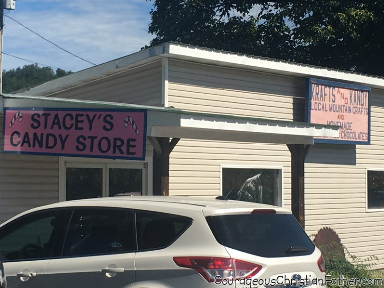 Stacey's Candy Store at Carvers Orchard & Farm Market Outside