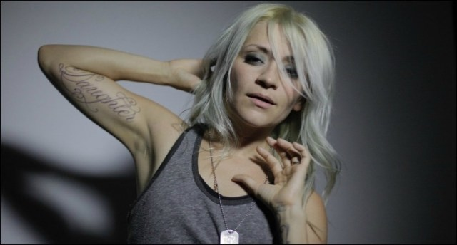It has been recently announced that former Flyleaf vocalist, Lacey Strum, will be filling in for Jen Ledger (drummer for Skillet). #Skillet #LaceyStrum