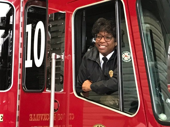The first African-American female firefighter, Jaquetta Brooks, retires from The Knoxville Fire Department.  Captain Jaquetta Brooks has served with the KFD for 30 years. She was also one of the first few females hired too. Actually one of four hired in 1988. The Fire Department held a retirement party for her this past Sunday, December 23, 2018.