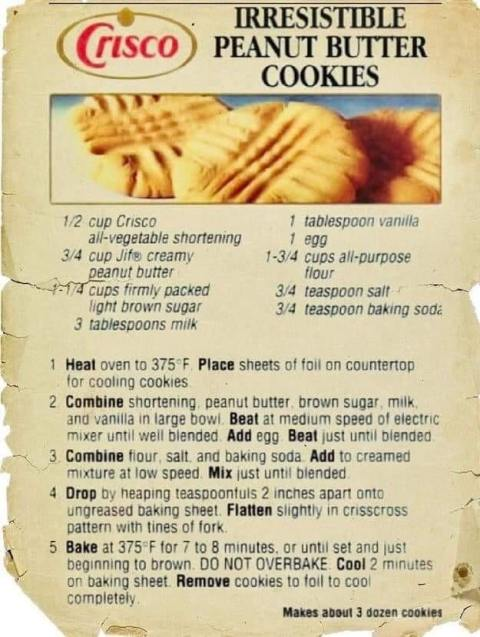 Irresistible Peanut Butter Cookies - An Old Recipe from Crisco. #PeanutButterCookies