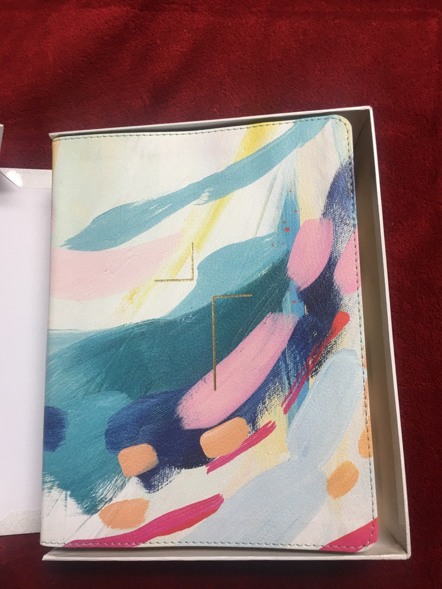 The Jesus Bible Artist Edition Review. A review of the Zondervan Bible a Bible that can be used for Bible Journaling. #BibleGatewayPartner #BGBG2 #BibleJournaling (the Cover)