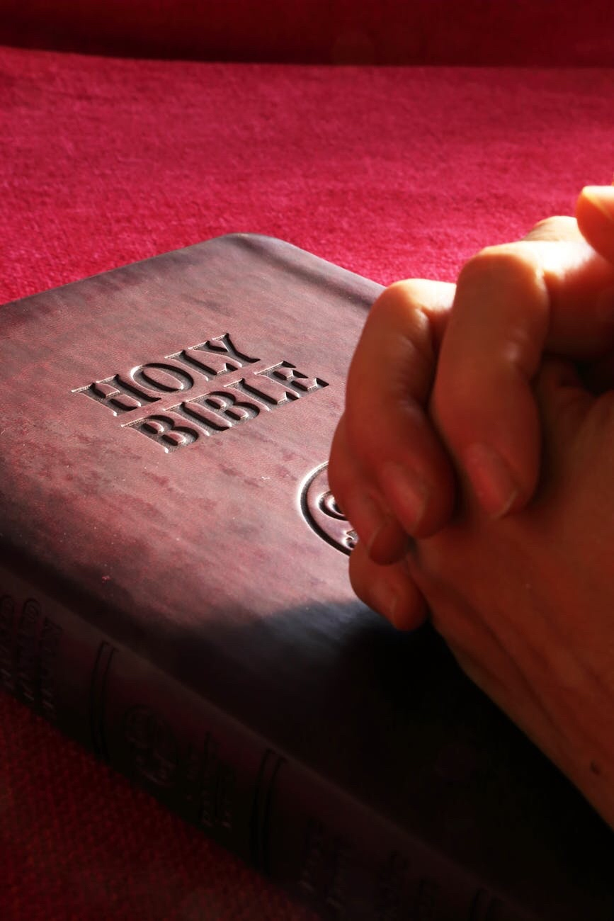 Bill Introduced Again To Try to Make the Holy Bible Tennessee's Official State Book. #HolyBible #Tennessee Photo Credit: pexels-photo-267559