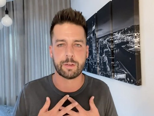 Comedian John Crist is Back - after announcing about a sexual harassment scandal and receiving treatment. #JohnCrist Image: John Crist / Facebook