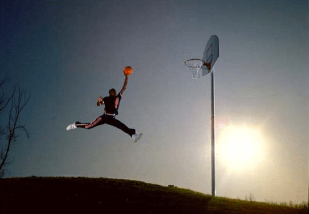 c0189405355 (CN) – A photographer who took a photo of pre-superstar Michael Jordan for  Life magazine, in midair soaring toward the hoop, could not persuade the  Ninth ...