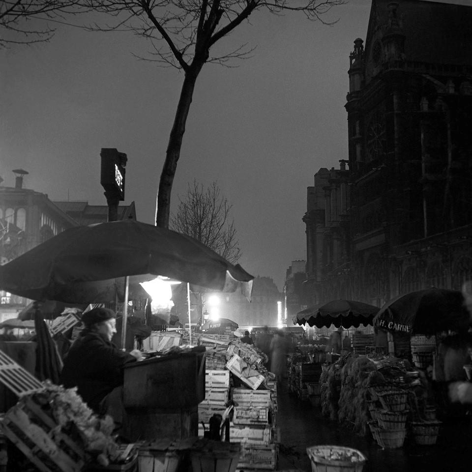 Les Halles, early morning, keeping books (Walt Girdner photo)