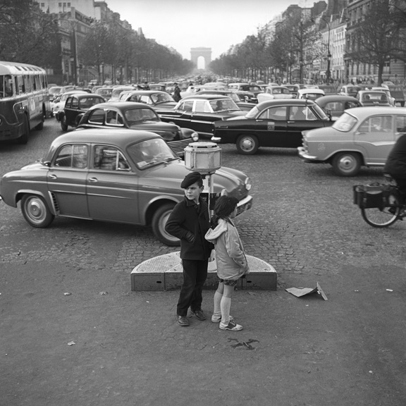 Trying to cross the Champs-Élysées. From Walt Girdner's Europe collection.