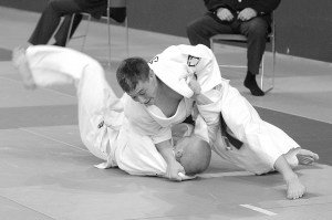 Brett throws for ippon Kent International 2004