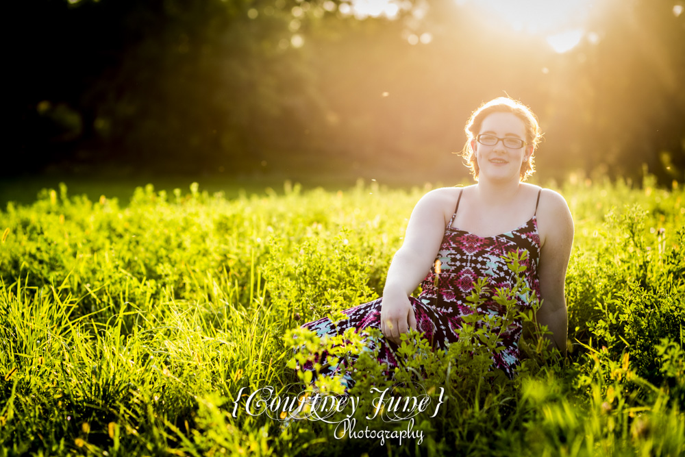 minnesota river outdoor field minneapolis senior portrait photographer