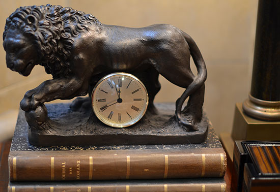Antique Clock, trafalgar lion