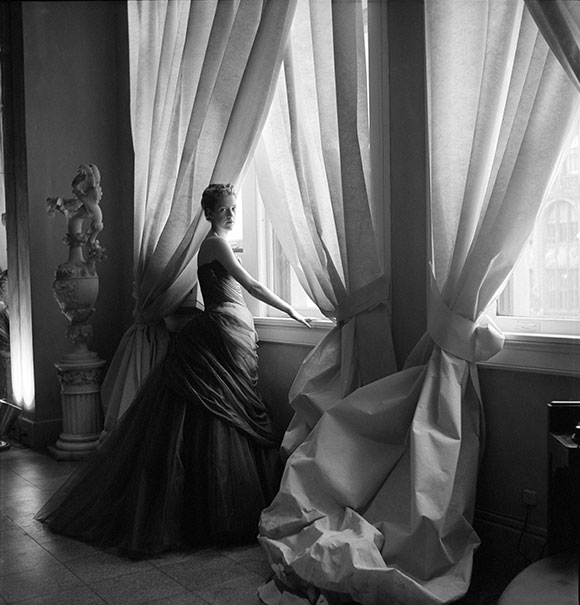 NancyJamesinSwanGown,CecilBeaton,1955 on www.CourtneyPrice.com