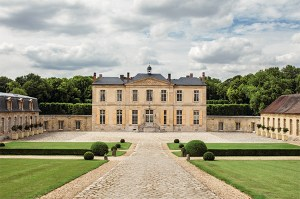facade of Chateau de Villette as seen on www.CourtneyPrice.com