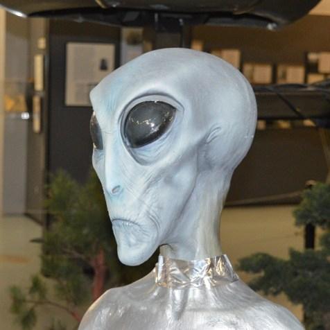 Alien close encounter
