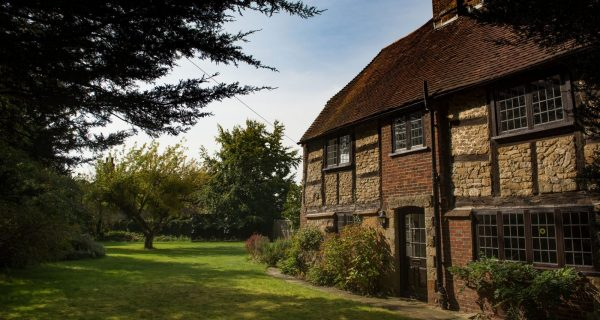 Lychgate Cottage - Residential property to rent on the Cowdray Estate, Midhurst, West Sussex