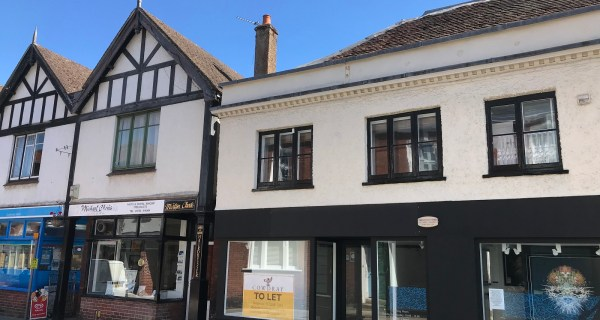 Retail premises to rent in Old Midhurst - Commercial property to rent on the Cowdray Estate, Midhurst, West Sussex