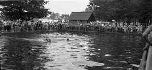 Circa 1953 photograph of Rolfe Park Swimming Pool, courtesy of Ruth Speed, used with her permission.