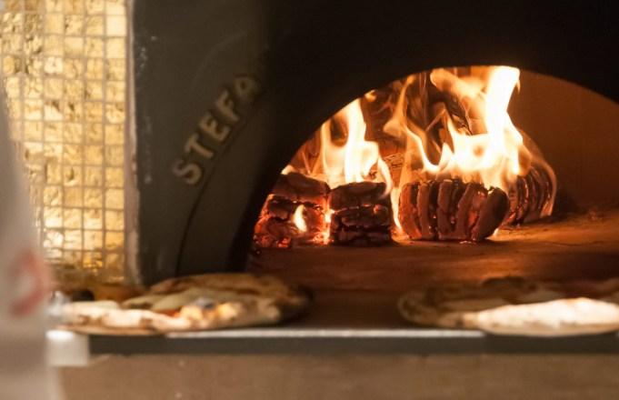A pizza será servida todos os dias, no almoço e no jantar.