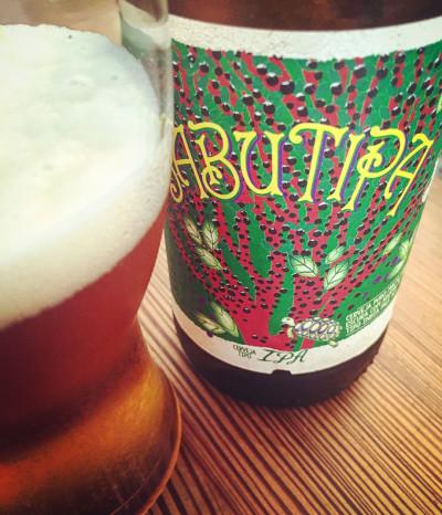 Cerveja IPA Jabutipa feita pela cervejaria da Bohemia | Cozinha do João