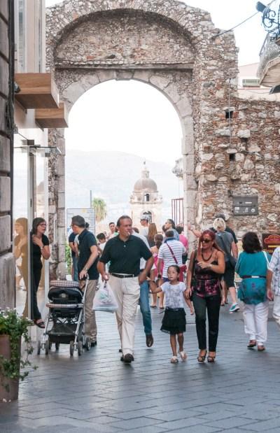 Porta Messina na viagem para Sicília, na Itália: Taormina | Cozinha do João