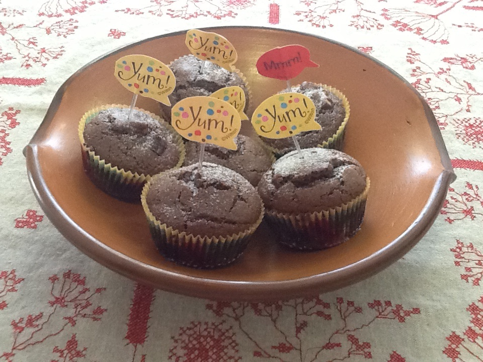 Muffin de chocolate com castanhas