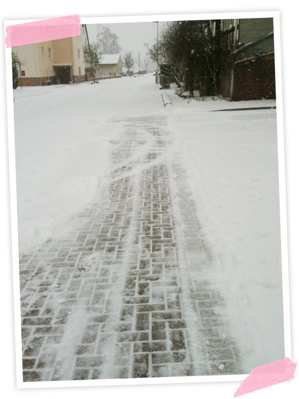 Schnee geschippt... schon wieder... im MÄRZ!