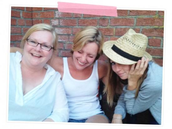 Mit meiner Family bin ich Happy! Ich freue mich so soll dass wir alle zusammen wohnen und so viel Spaß zusammen haben!