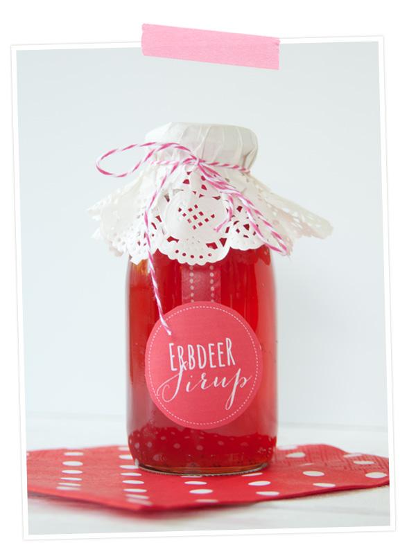Rezept für Erdbeersirup aus dem Schnellkochtopf mit passedem Etikett zum Ausdrucken