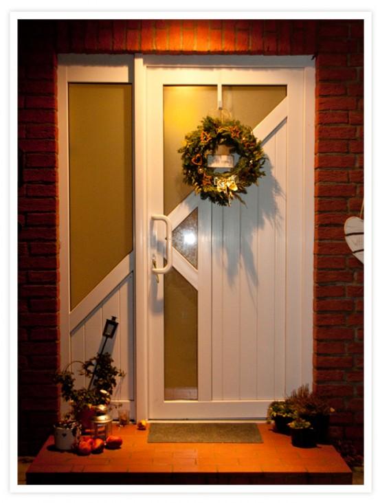 Weihnachten: Fotoanleitung Kränze binden ein DIY von Cozy & Cuddly: Der fertige Kranz an unserer Haustür