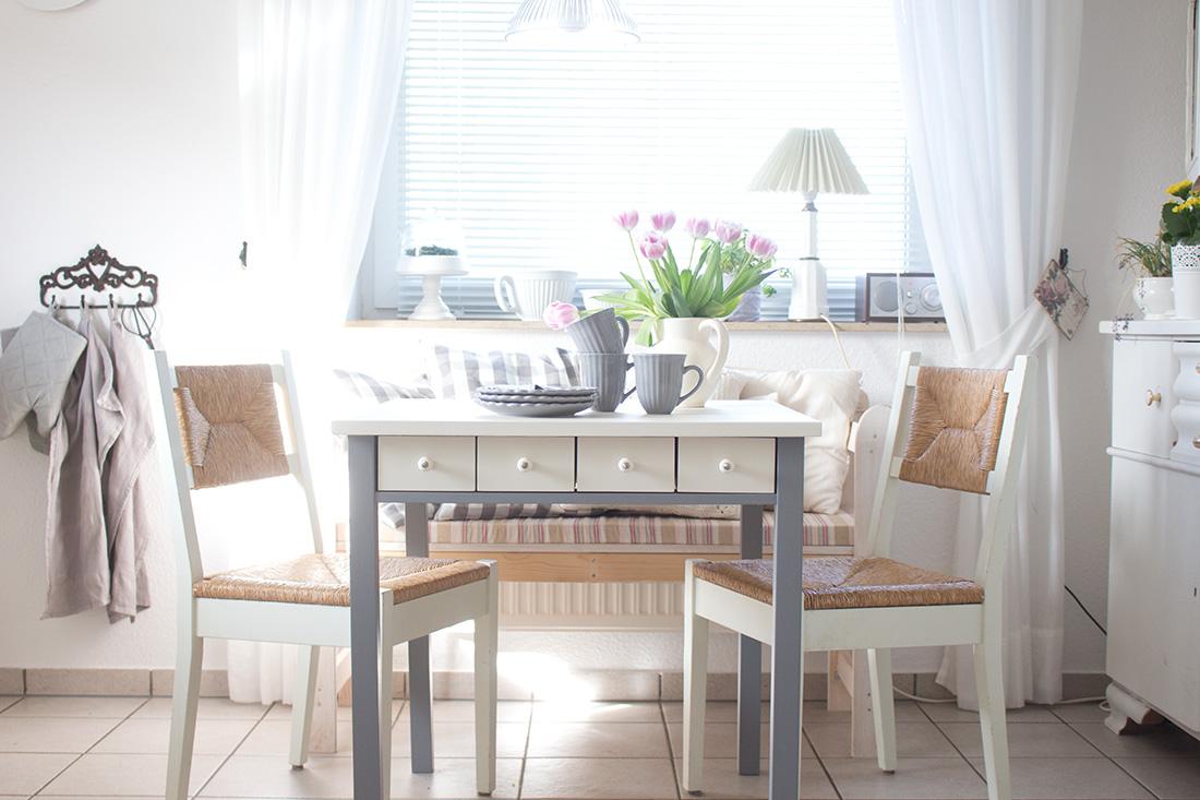 ikea essecke esszimmer ideen u einrichtung ikea with ikea. Black Bedroom Furniture Sets. Home Design Ideas