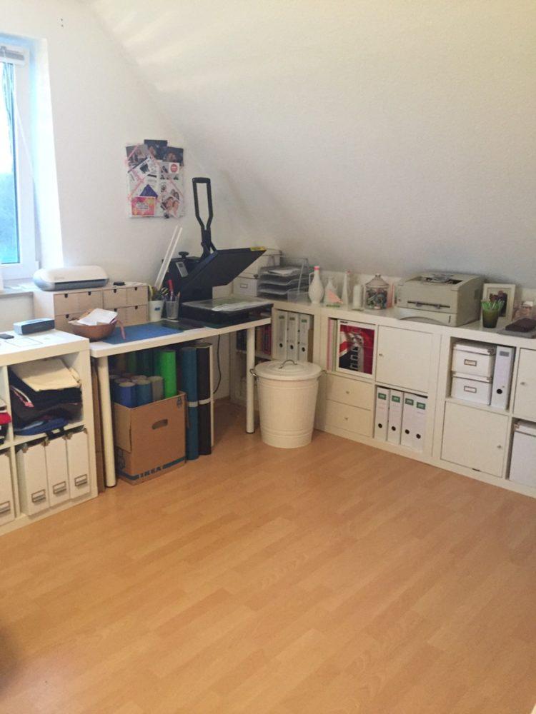 Und das Büro ein bisschen aufgeräumt