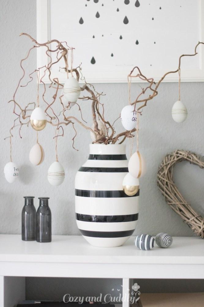 Living: Dekorationsidee Ostern in Schwarz Weiß und Gold
