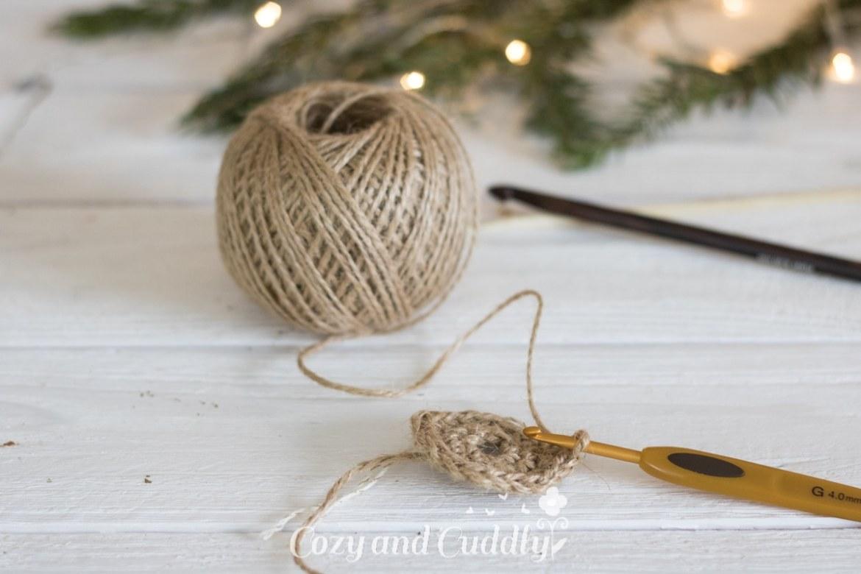 Advent: Anleitung für ein Häkelkörbchen aus Paketschnur - Häkelkorb - cozy and cuddly Adventskalender