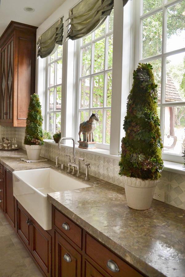 2014 Pasdena Showcase House-Today's Kitchen by Cynthia Bennet & Associates, Inc.