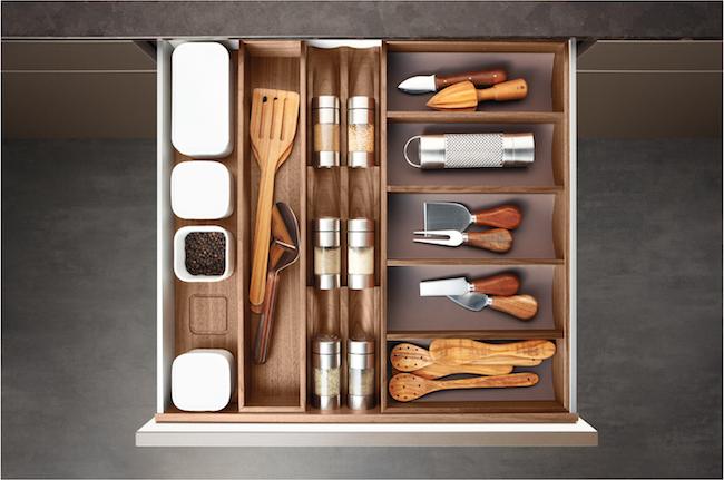 Poggenpohl-organized kitchen drawers via Cozy Stylish Chic
