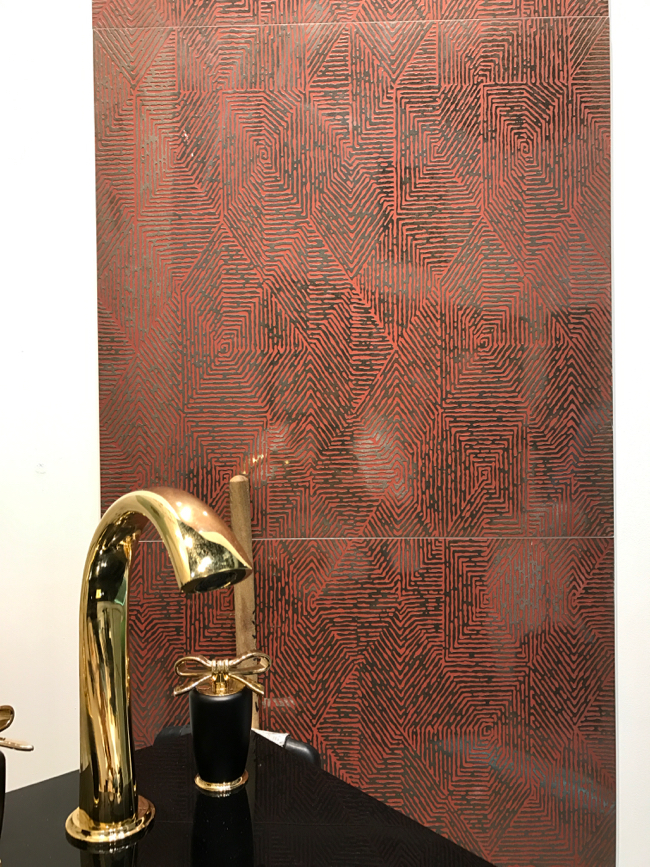 Coverings 2017 - Metallic/mirrored tile trend