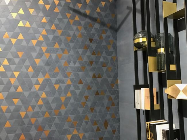 Coverings 2017 - Blue tile trend