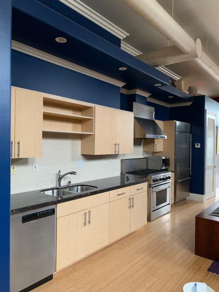 Pasadena loft kitchen - before remodel