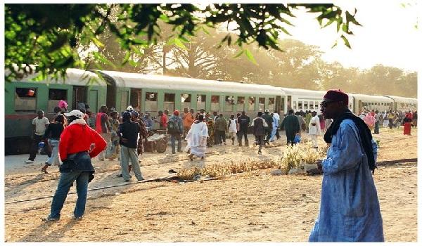 Art, Yan Ikb, Trains, Senegal