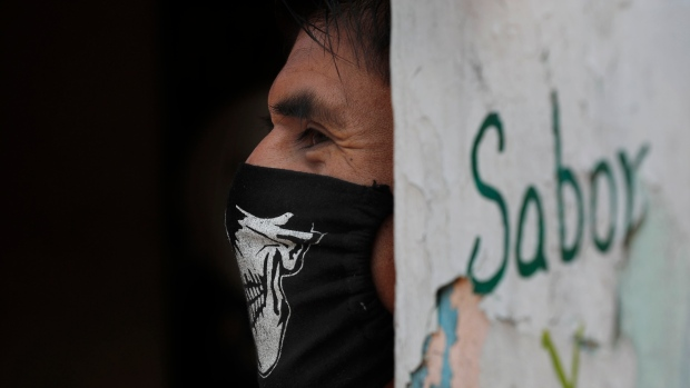 Young infected doctors at Mexico public hospital demand help ...