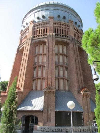 Cracking Retirement Water Tower Madrid