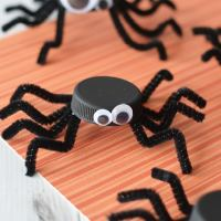 Bottle Cap Spider Halloween Craft