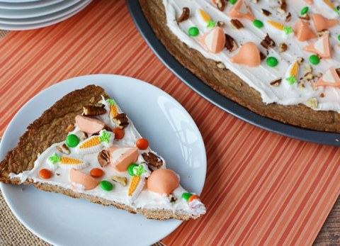 If you love carrot cake and you love pizza, my Easter carrot cake dessert pizza is for you!